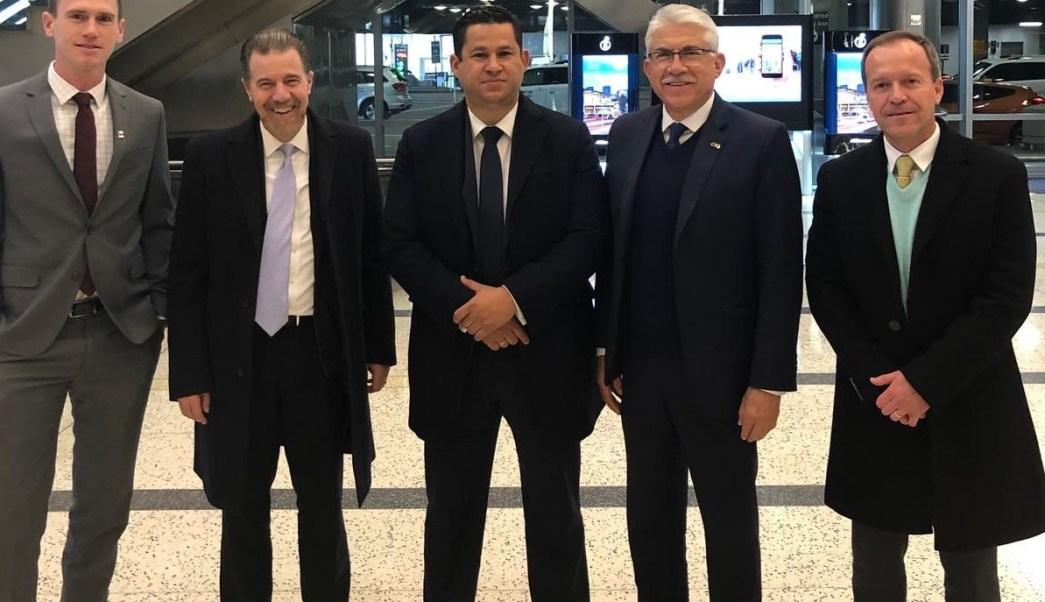 Gobernador de Guanajuato busca gasolina en Texas