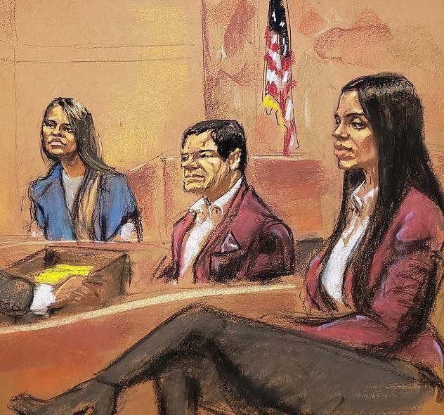 'El Chapo' apareció frente a la Corte Federal de Brooklyn con el mismo saco aterciopelado de burdeos que su esposa, Emma Coronel, ante la sorpresa de los presentes (Jane Rosenberg)