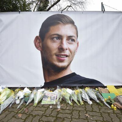 Hallazgo de restos de un avión relanza la búsqueda de Emiliano Sala
