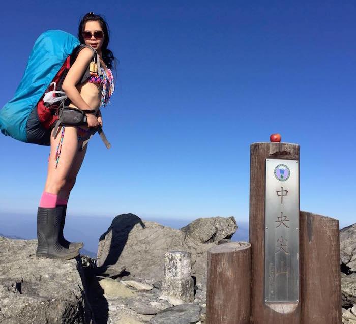 Montañista escalaba bikini muere caer barranco