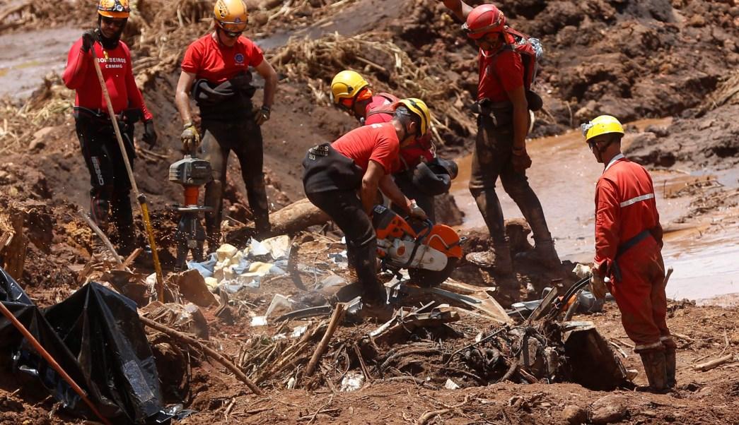 Foto: Rescatistas buscan a sobrevivientes tras accidente minero en Minas Gerais, Brasil, del 28 de enero del 2019