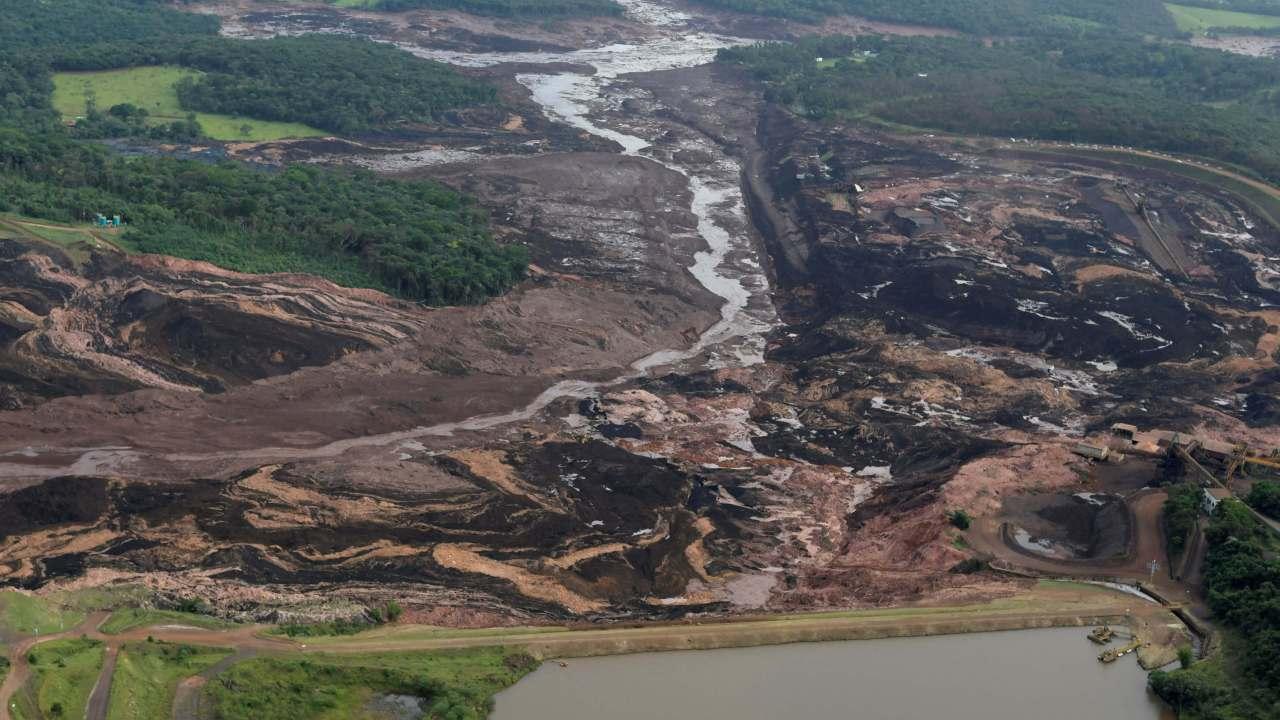 Foto: Imagen panorámica del deslave de residuos de la mina Feijao en Minas Gerais, Brasil, del 25 de enero del 2019