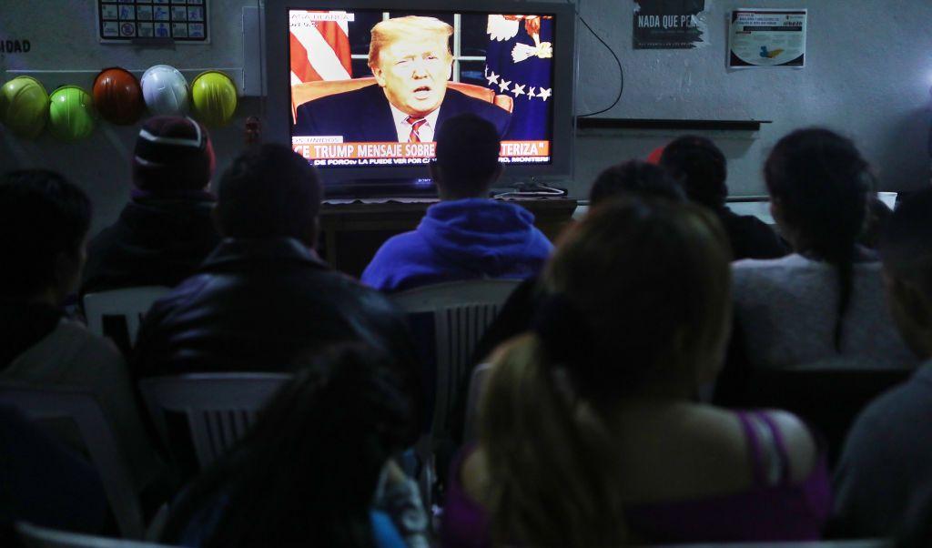 Rating de Trump bajó en discurso sobre crisis fronteriza