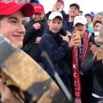 Trump defiende a estudiantes tras incidente con nativo