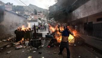 Venezuela: Protestan por segunda noche contra Nicolás Maduro