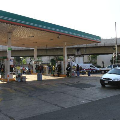 SAT halla 194 gasolineras con inconsistencias fiscales por más de 3 mil mdp