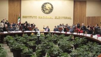 Procuraduría Fiscal, atenta a cumplimiento de obligaciones del INE