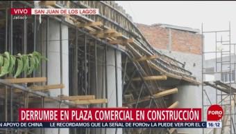 Investigan derrumbe en plaza comercial en construcción en Jalisco