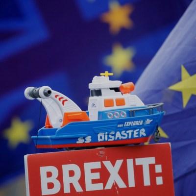 Funcionarios británicos y europeos discuten aplazamiento del Brexit, dicen medios locales