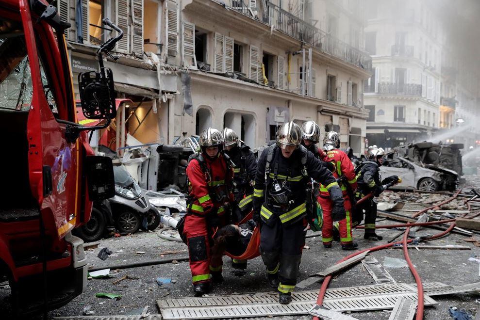 fuerte explosion en panaderia de paris deja varios heridos
