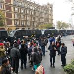 Policías CDMX resguardan Suprema Corte por manifestantes