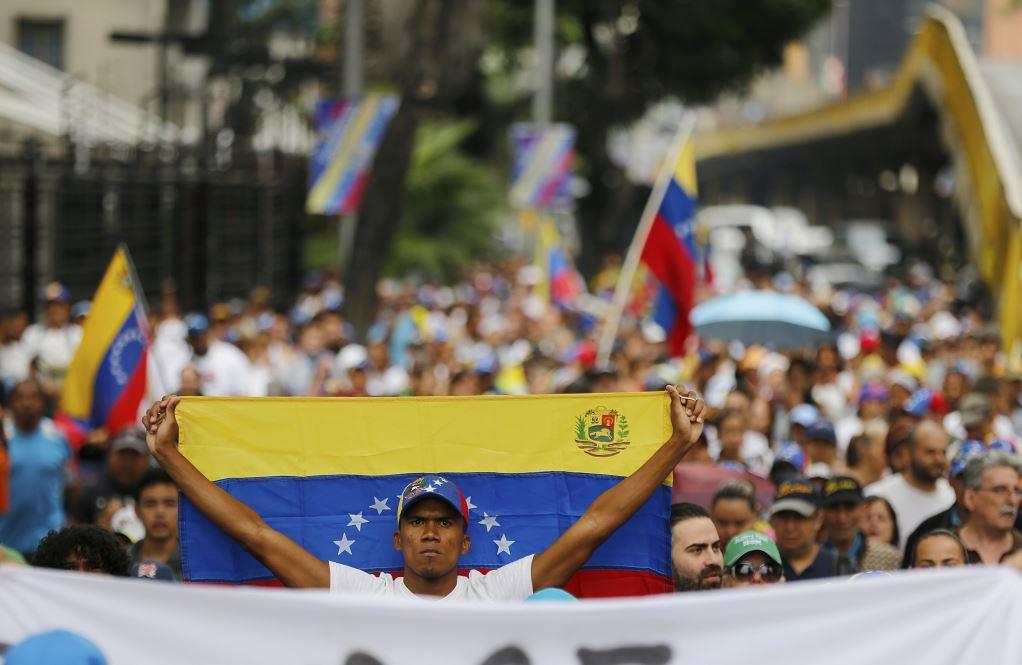 Foto: Miles de personas se manifiestan en Venezuela, 23 de enero 2019