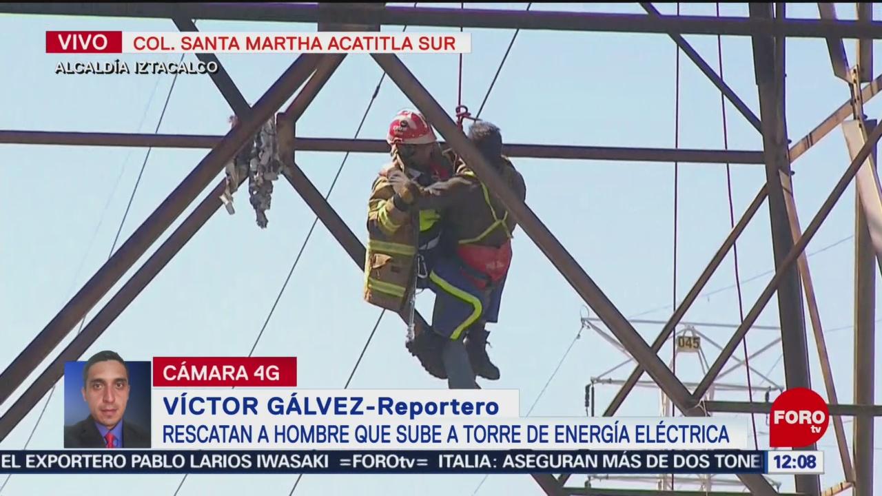 Rescatan a hombre que subió torre de alta tensión en CDMX