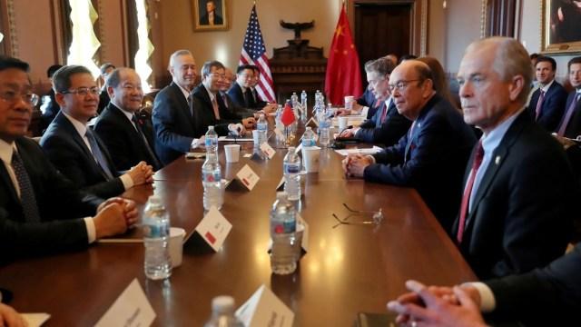 Foto: Funcionarios estadounidenses y chinos inician última ronda de negociaciones comerciales en Washington, 30 de enero de 2019 (Twitter: @treasurecolecto)