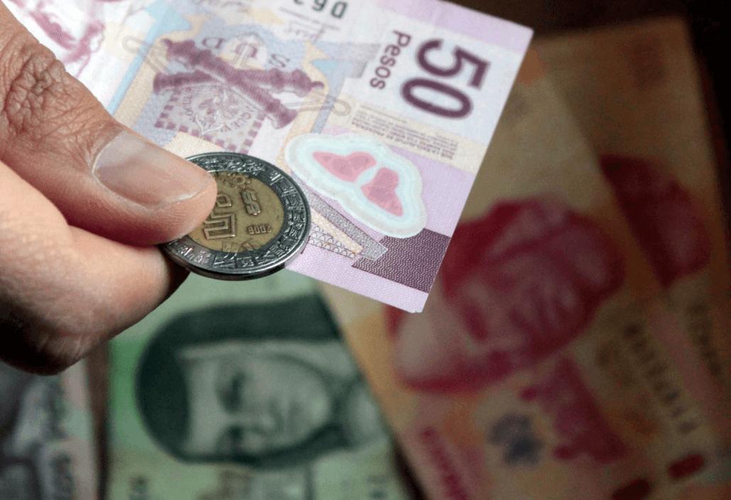 Salario mínimo aumenta a 102.68 pesos y 176.72 pesos – Noticieros Televisa