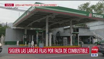 Siguen largas filas por falta de combustible en Nuevo Léon