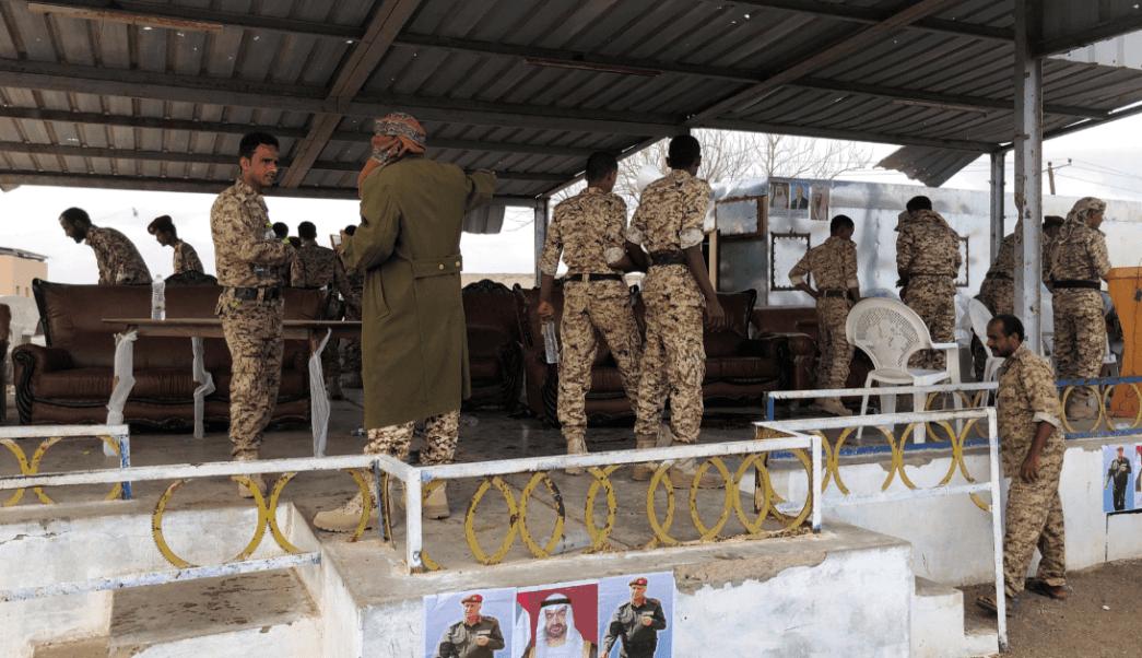 Rebeldes en Yemen atacan con un dron a cúpula militar