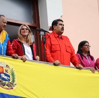 Guaidó contradice a Maduro y pide a diplomáticos quedarse en Venezuela