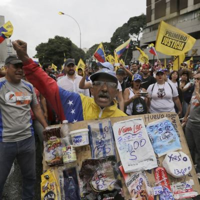 Miles de personas se manifiestan en Venezuela contra Nicolás Maduro