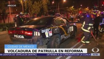 Vuelca patrulla en Paseo de la Reforma, CDMX