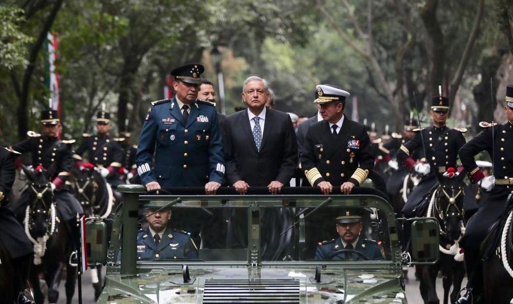 Foto: AMLO encabeza el 106 Aniversario de la Marcha de la Lealtad en el Castillo de Chapultepec el 9 de febrero de 2019