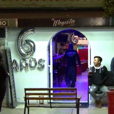 Delincuentes asaltan a clientes de un bar mientras celebraban San Valentín