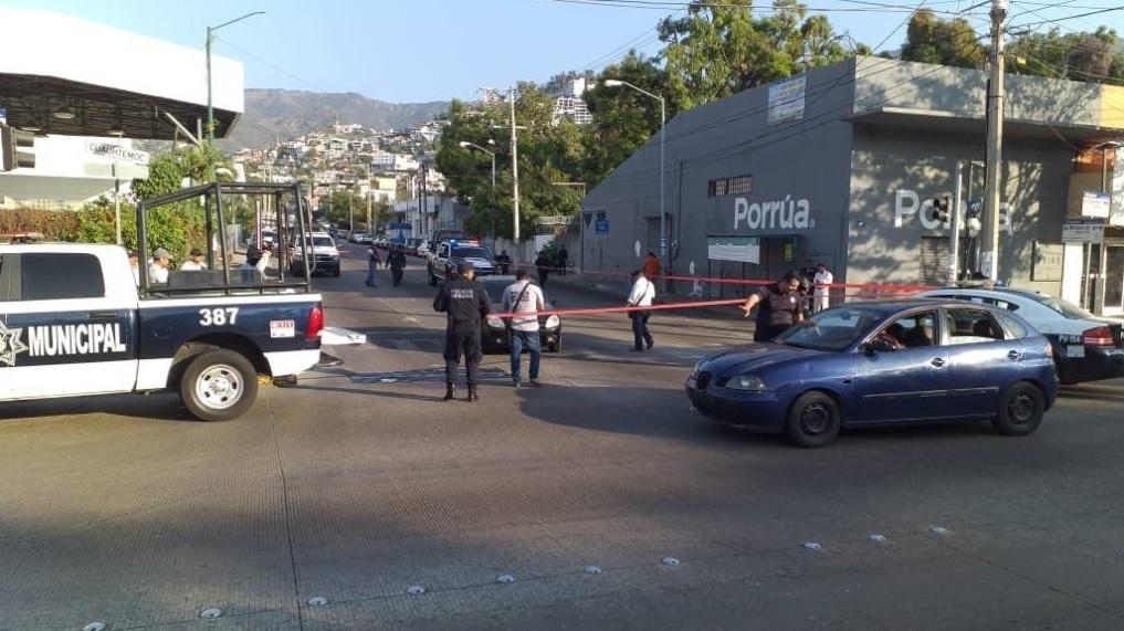 Foto: Muere comandante de la policía de Acapulco tras ataque, 7 de febrero 2019. Twitter @APIGUERRERO