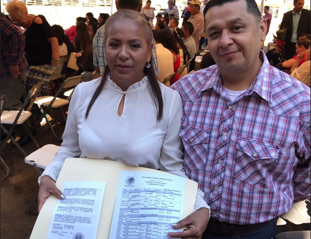 Foto: Se casan 47 parejas en plaza de toros La Petatera en Colima, 14 de febrero 2019. Twitter @berthareynoso