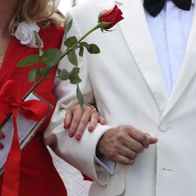 Matrimonios en México tienden a disminuir: INEGI