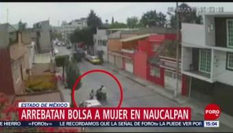 Foto: Captan momento de asalto a una mujer en Naucalpan