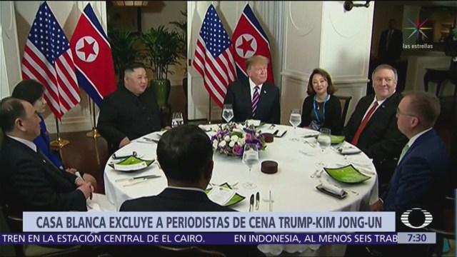 Casa Blanca expulsa a periodistas de cena entre Trump y Kim