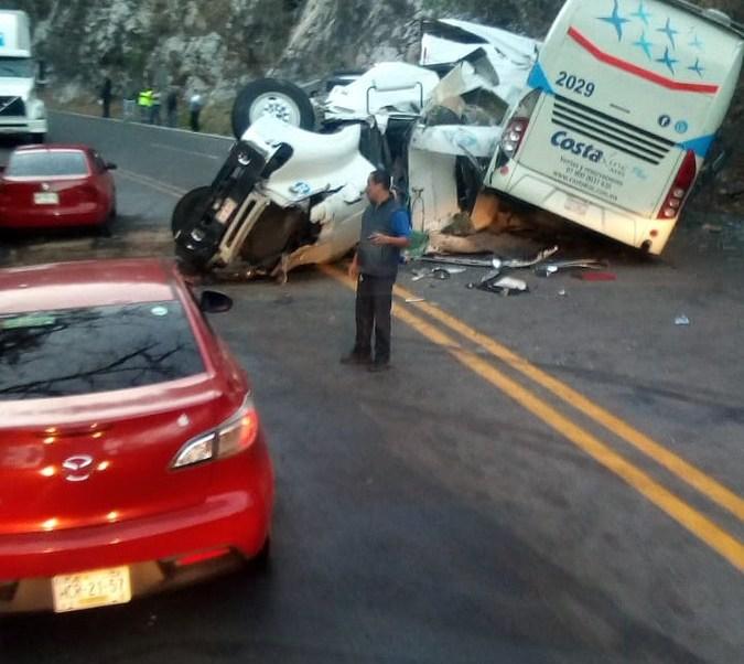Foto: Choque en carretera Iguala-Cuernavaca deja 10 lesionados 18 febrero 2019