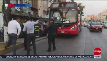 Foto: Choque de Metrobús deja 5 lesionados