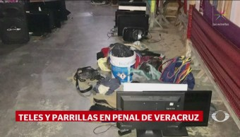 FOTO: Decomisan armas, televisores y laptos en operativo sorpresa en penal de Coatzacoalcos, 13 FEBRERO 2019