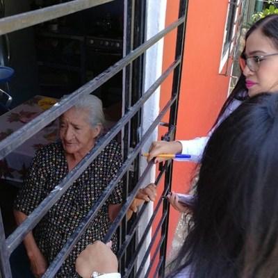 Abuela encadenada en su cuarto rechaza ayuda del DIF; la tienen así para que