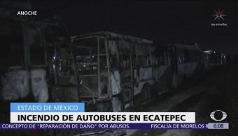 Incendian dos autobuses del Mexibús en Ecatepec