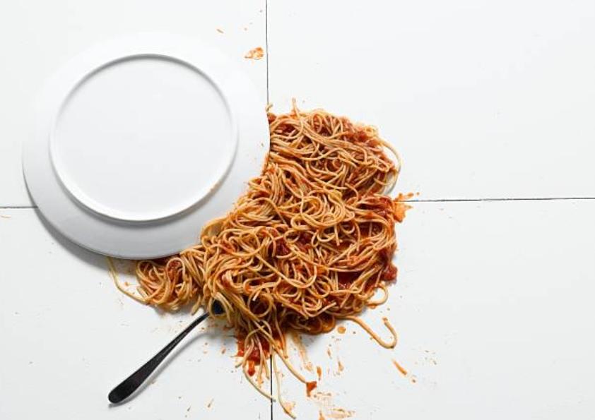 Joven muere tras comer pasta que preparó cinco días antes