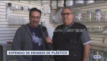 Foto: Expendio de envases de plástico