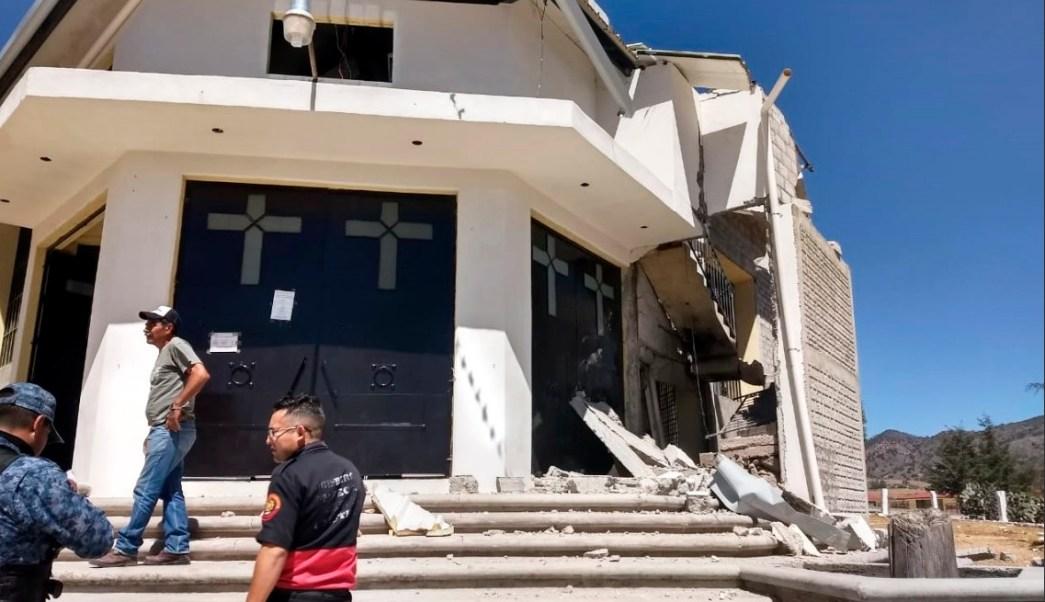Foto: Explosión de pirotecnia en iglesia de Cuautepec, Hidalgo, 21 de febrero 2019. Twitter @LaVerdadHidalgo
