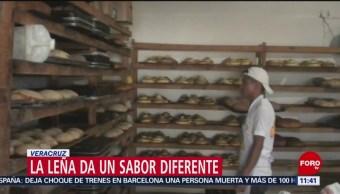 Familia lleva más de un siglo haciendo pan en horno de leña en Veracruz