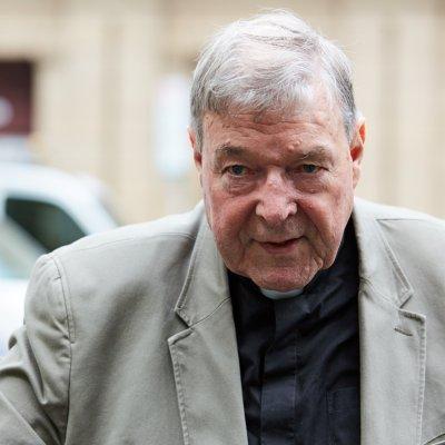 Declaran culpable de pederastia en Australia al cardenal George Pell