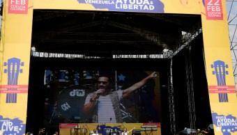 """Foto: Diego Torres se presenta durante el """"Venezuela Aid Live"""" en el Puente de la Unidad el 22 de febrero de 2019 en Cúcuta, Colombia"""
