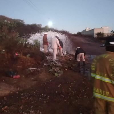 Controlan fuga de gasolina en toma clandestina en Cuautepec, Hidalgo
