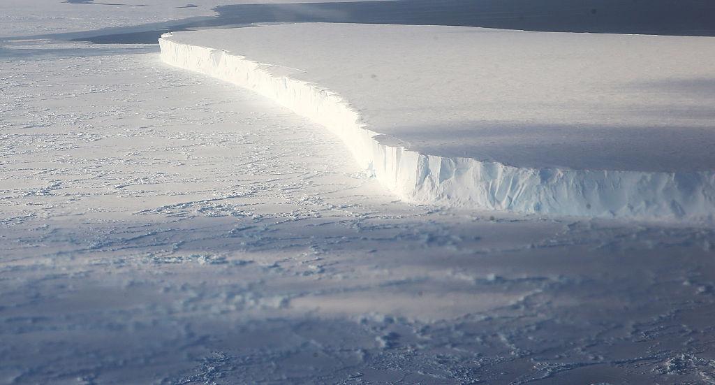 foto NASA alerta por desprendimiento de iceberg en la Antártida