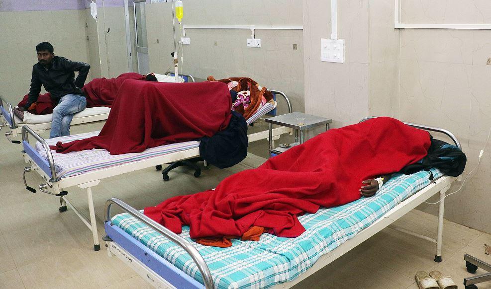 Foto: Suman 143 muertos por consumo de alcohol adulterado en India, 24 febrero 2019