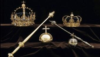 Foto:Una colección de joyas de la corona sueca que fueron robadas de la catedral de Strängnäs, 22 febrero 2019