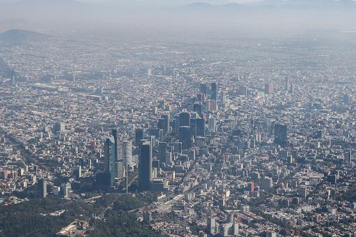 La Ciudad de México tiene una medida promedio de partículas PM2.5 de 50 a 100 partículas por metro cúbico (GettyImages)