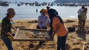 Foto: recuperan la playa Manzanillo en Acapulco, el 24 de febrero