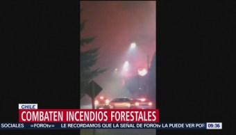 Foto: Luchan contra incendios forestales en Chile