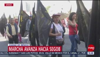Manifestante se dirigen a la Secretaría de Gobernación
